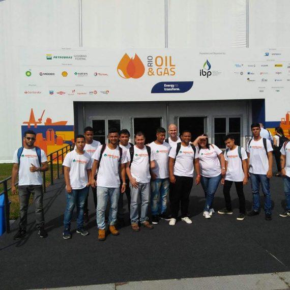 alunos da propulsive em visita técnica à Rio Oil&Gas